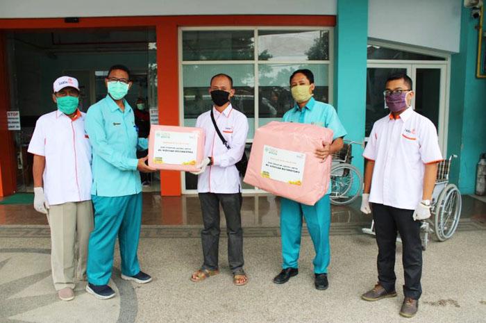 Muhammadiyah Covid 19 Command Center (MCCC) Bojonegoro serahkan APD ke tim medis RS. 'Aisyiyah